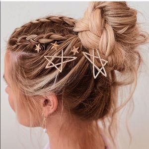 Gold Stone Studded Star Bobby Pin Set in gold